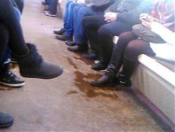 118 legs girls metro